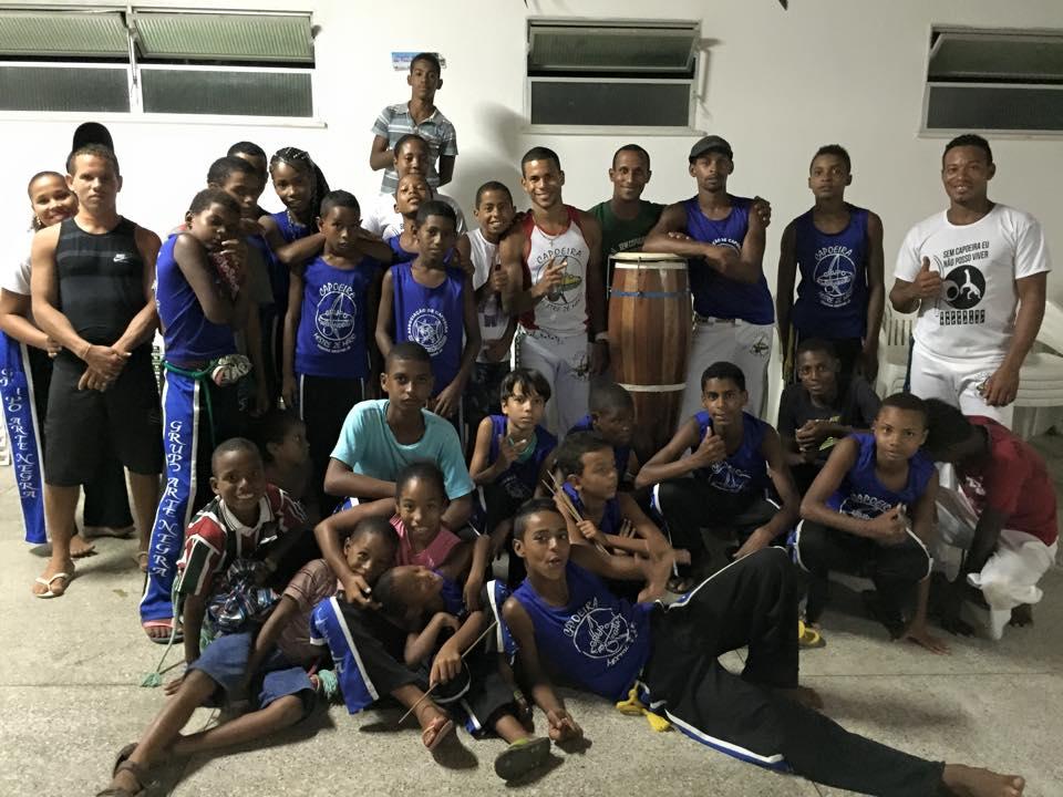 enfants-bresil-capoeira